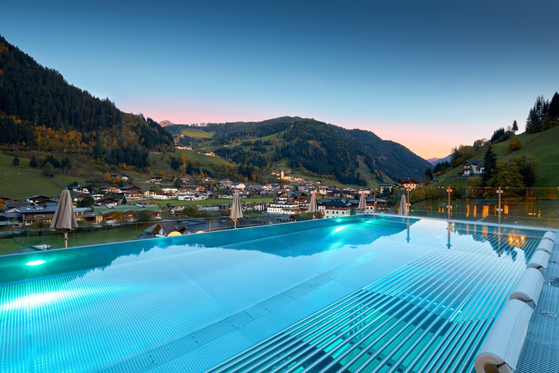 Mountainbikehotel: Infinity Pool - DAS EDELWEISS - Salzburg Mountain Resort