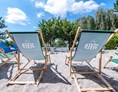 Mountainbikehotel: Außenbereich mit Beach Chairs - Dorint Hotel Alzey/Worms
