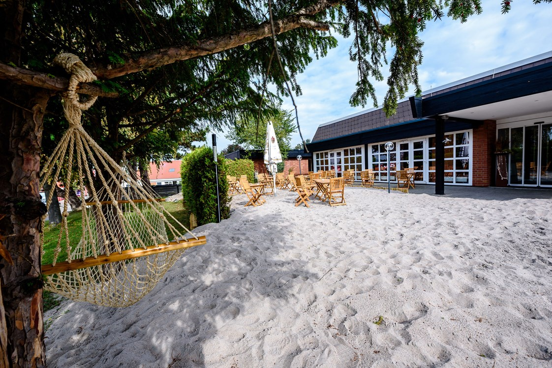Mountainbikehotel: Beach Area mit Hängematte - Dorint Hotel Alzey/Worms